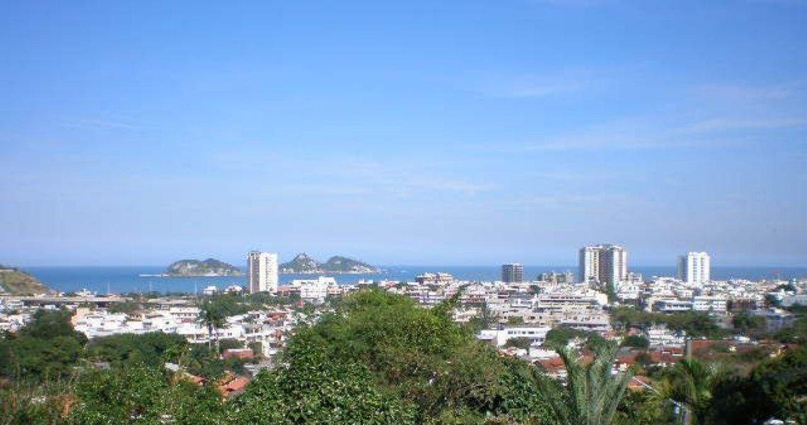 Casa Triplex, 6 Quartos (4 suítes), Barrinha, Venda