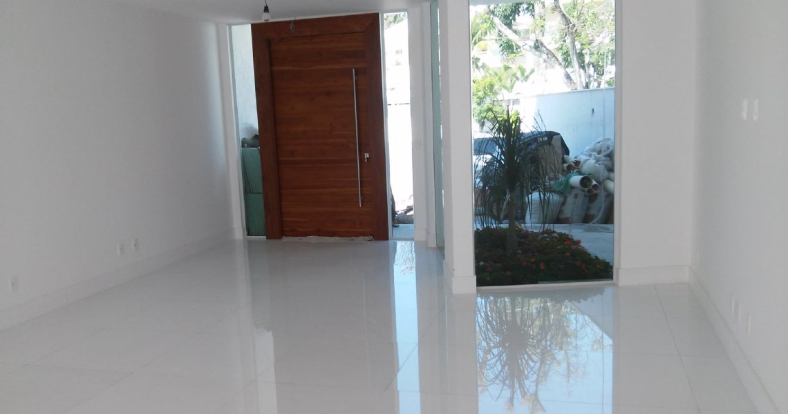 Casa Triplex, 4 Quartos (suítes), Barra, Venda