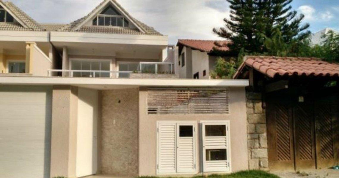 Casa Duplex, 4 Quartos (3 suítes), Barra, Venda